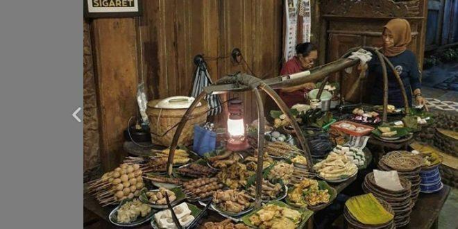 Wedangan Pendhopo, Aneka Jajanan Khas Jawa di Solo